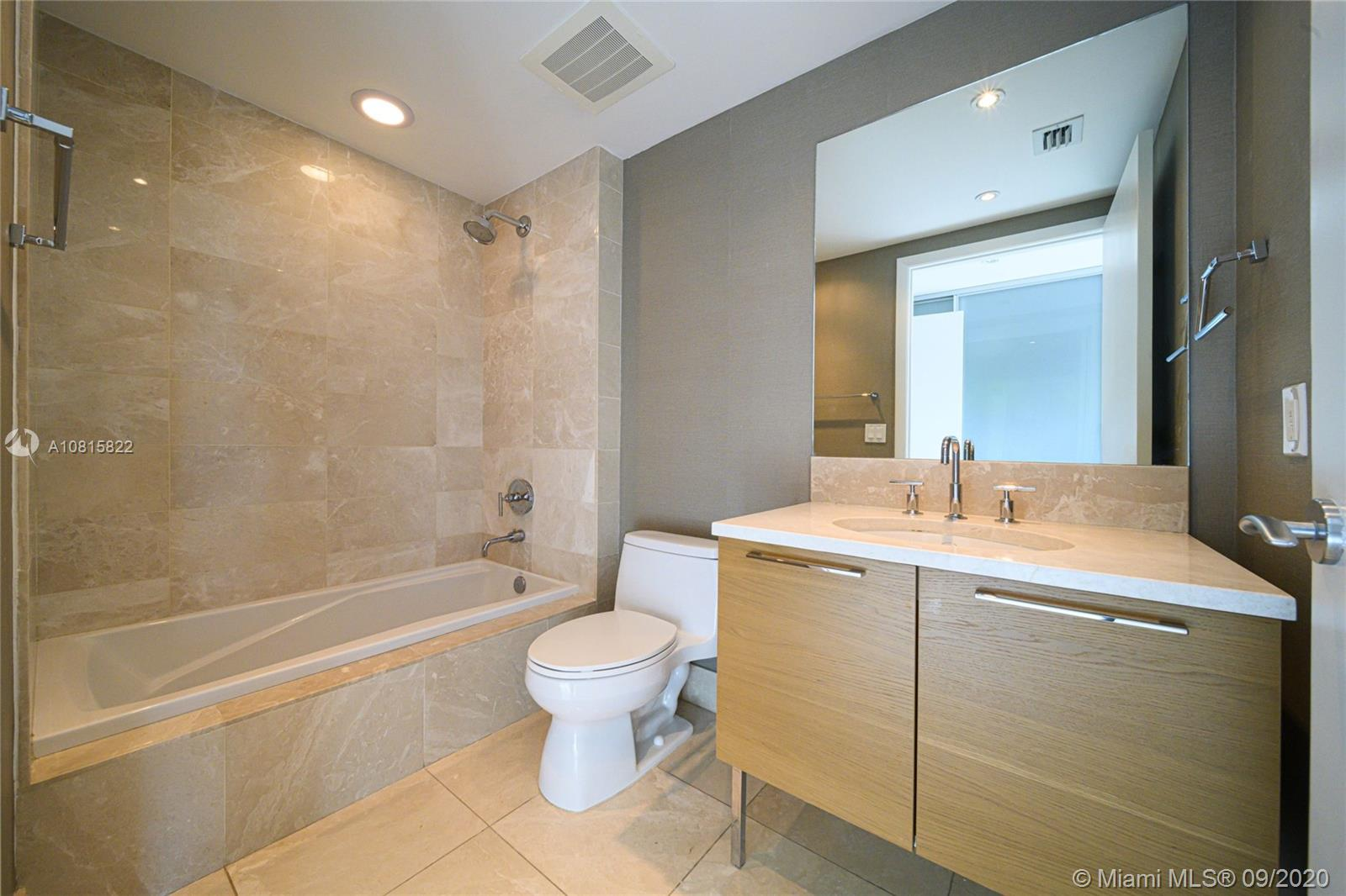 17001 Collins Ave #908 photo014