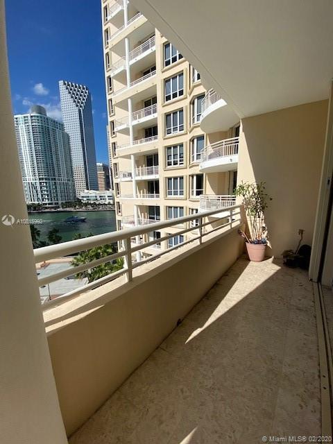 888 Brickell Key Dr #801 photo02