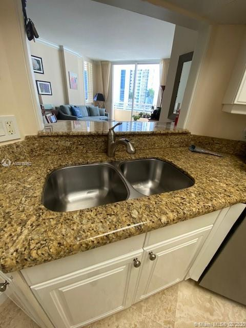 888 Brickell Key Dr #801 photo08