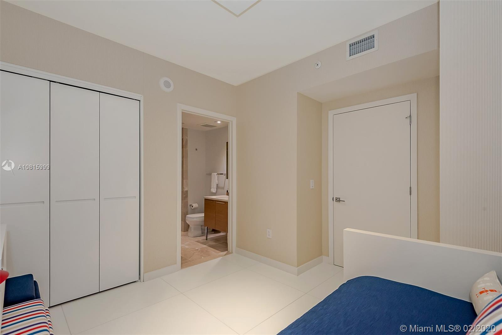 17001 Collins Ave #2502 photo018