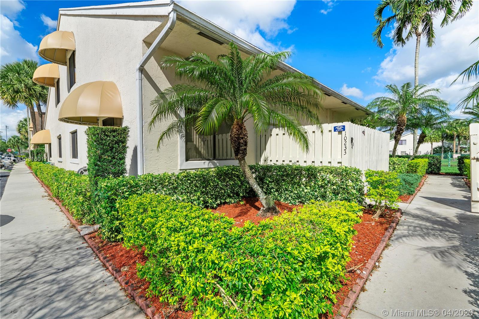 Property for sale at 10233 NW 33rd St Unit: 10233, Sunrise,  Florida 33351