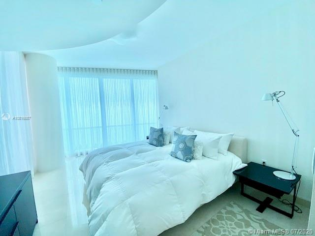 17121 Collins Ave #3506 photo06