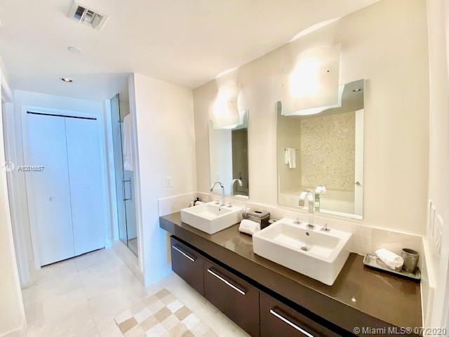 17121 Collins Ave #3506 photo07