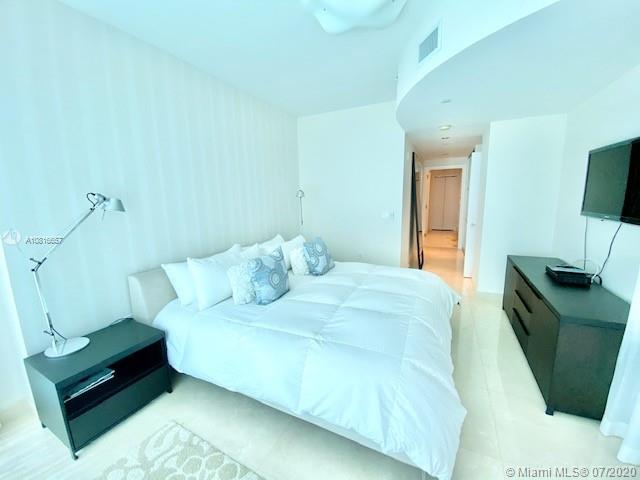 17121 Collins Ave #3506 photo05