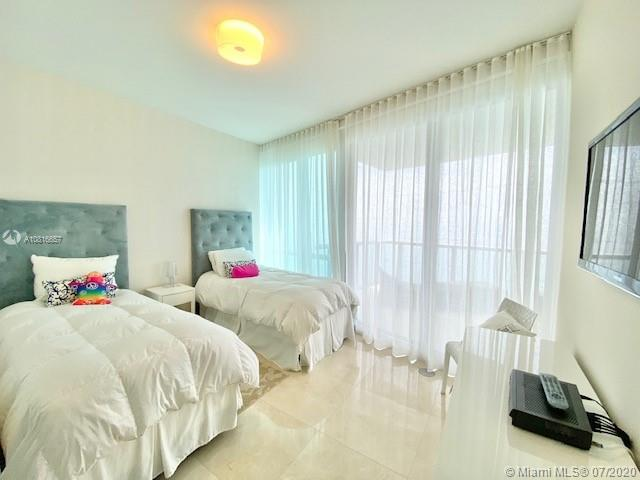 17121 Collins Ave #3506 photo09