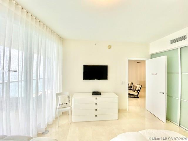 17121 Collins Ave #3506 photo010