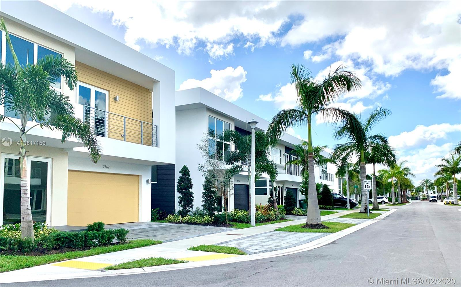 9762 NW 75th St - Doral, Florida