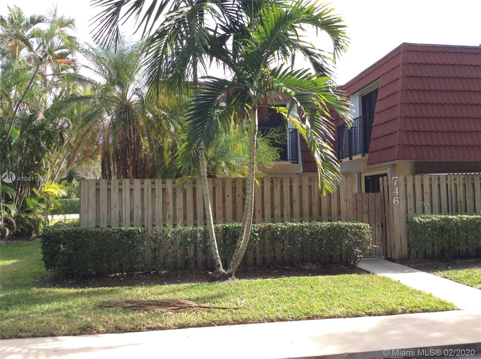 Property for sale at 746 NW 98th Way Unit: 746, Plantation,  Florida 33324