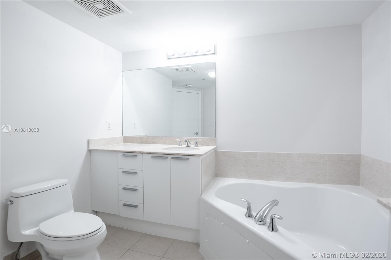 16699 Collins Ave #3709 photo023