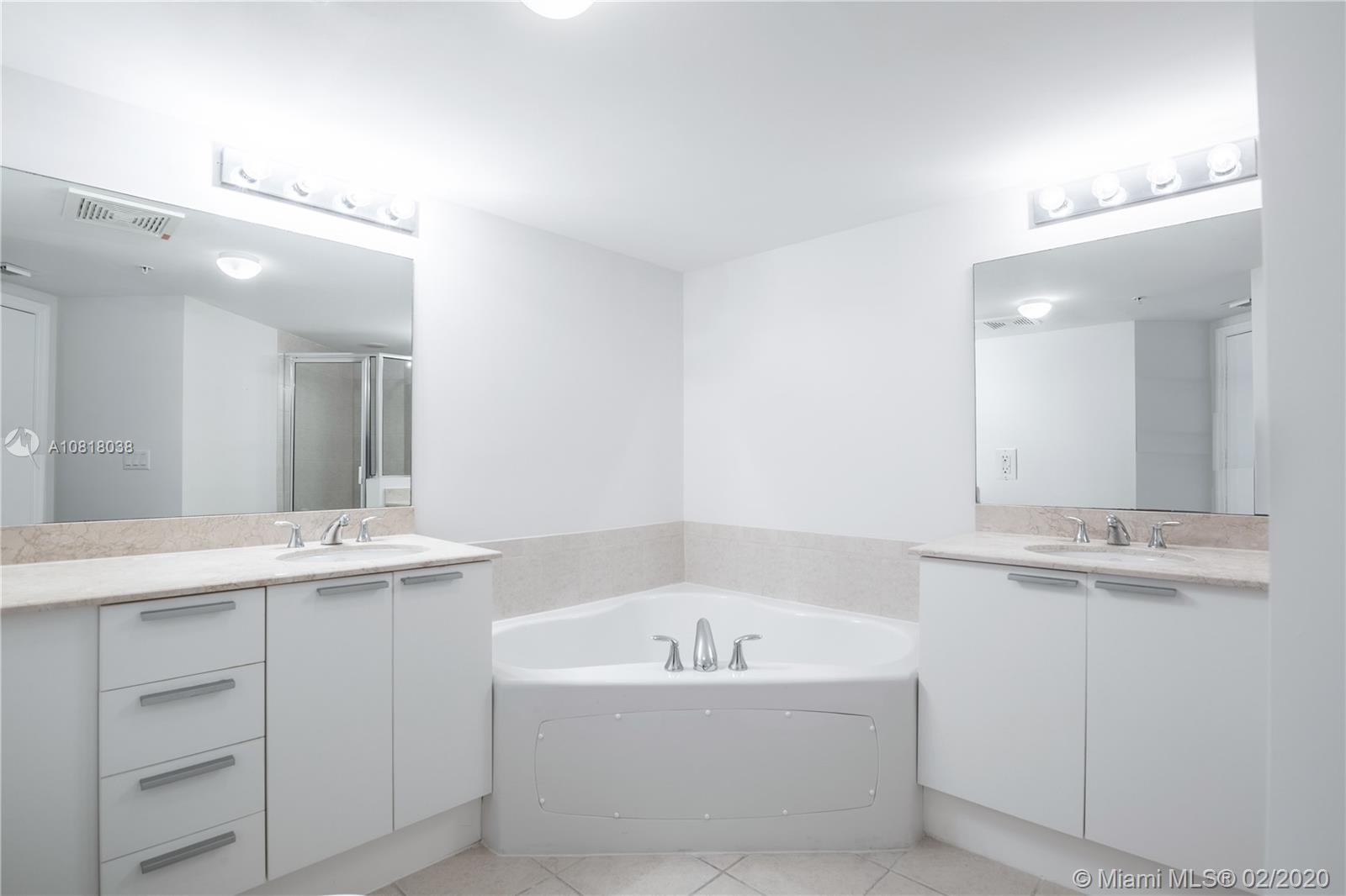 16699 Collins Ave #3709 photo022