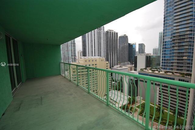 1200 Brickell Bay Dr #2818 photo021