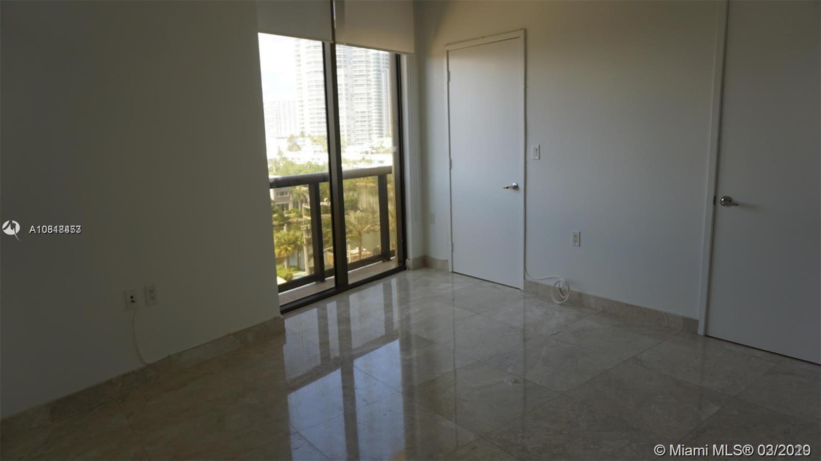 16275 Collins Ave #604 photo010