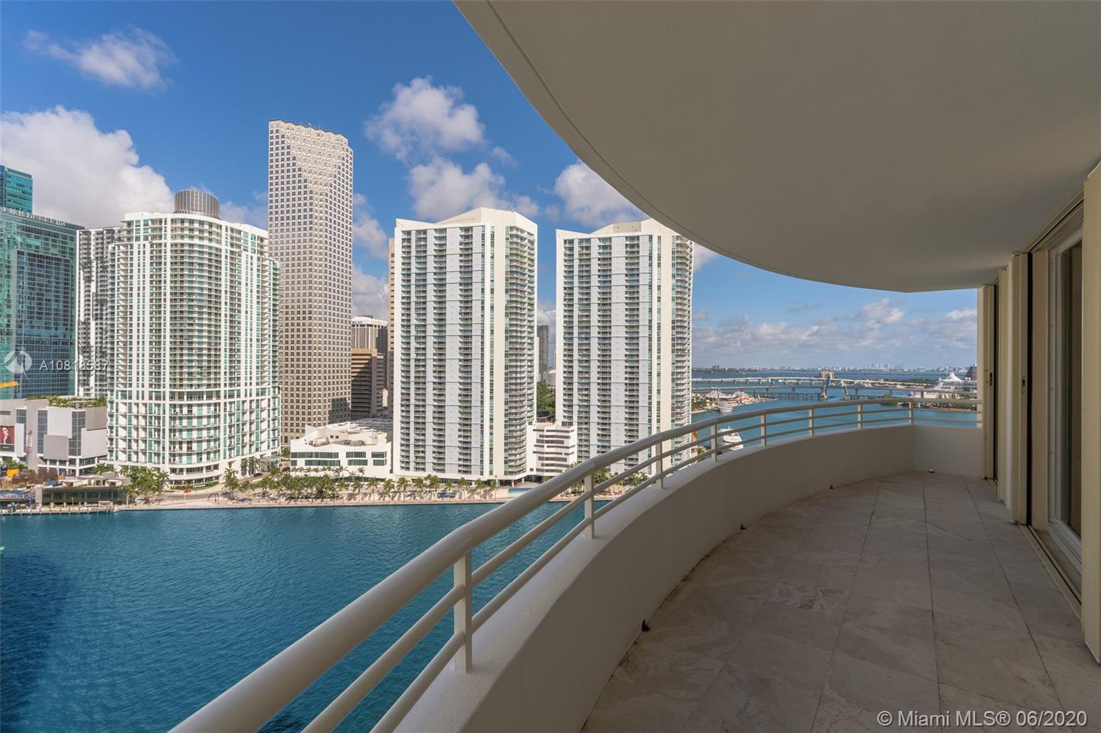 888 Brickell Key Dr #2204 photo02