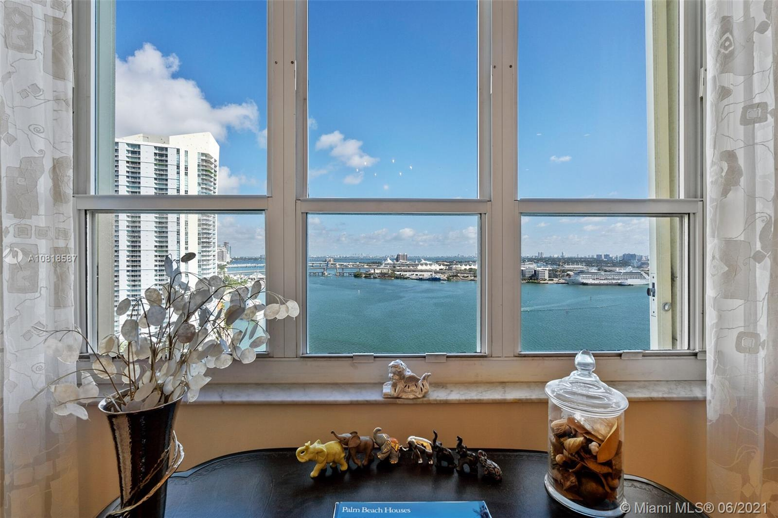 888 Brickell Key Dr #2204 photo019