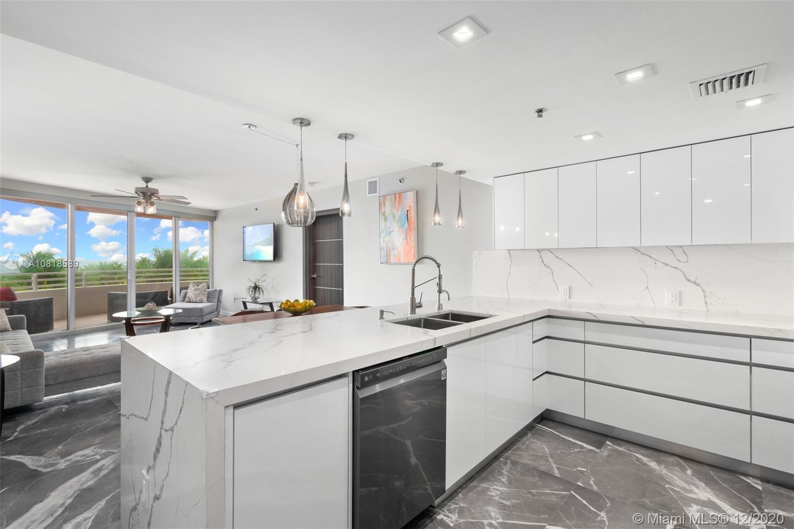 226 Ocean Dr # 4B, Miami Beach, Florida 33139, 2 Bedrooms Bedrooms, ,2 BathroomsBathrooms,Residential,For Sale,226 Ocean Dr # 4B,A10818589