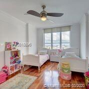 888 Brickell Key Dr #1811 photo09