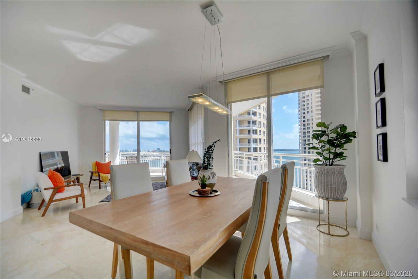 888 Brickell Key Dr #1811 photo04