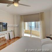 888 Brickell Key Dr #1811 photo08