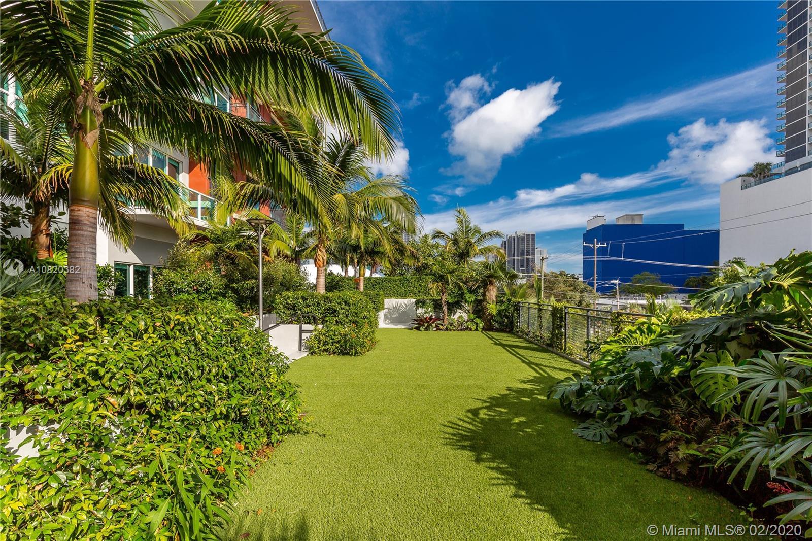 1749 NE Miami Ct #204 photo09