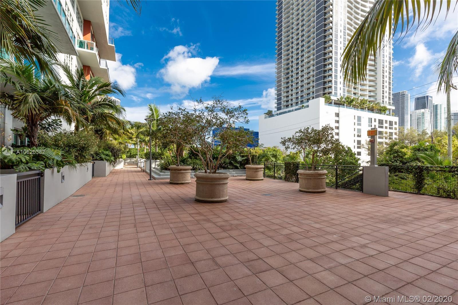 1749 NE Miami Ct #204 photo08