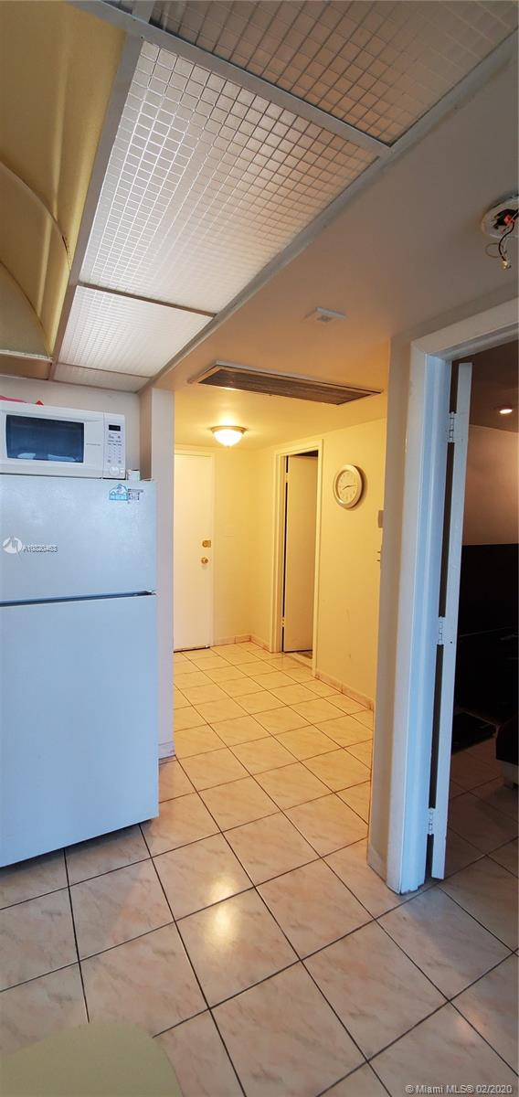 5401 Collins Ave #833 photo016