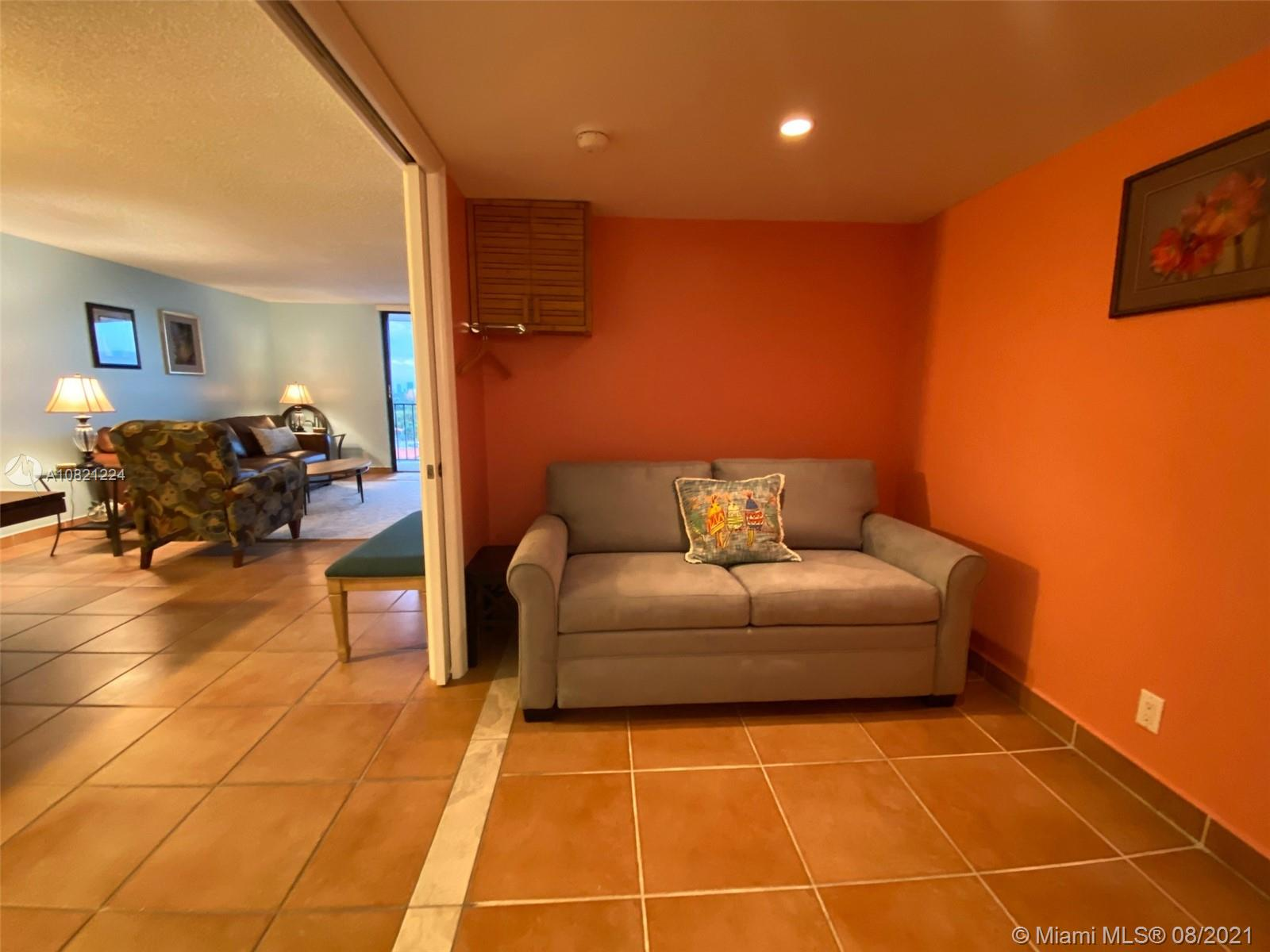2625 Collins Ave #909 photo013