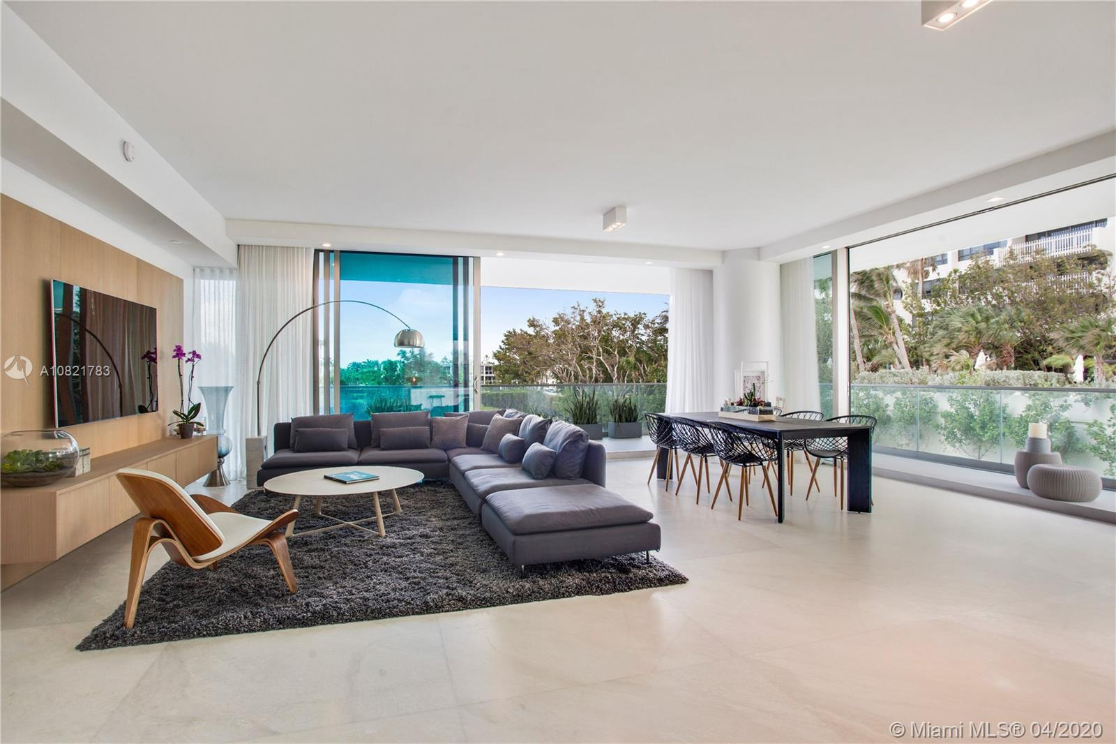 10203 Collins Ave, 211 - Bal Harbour, Florida