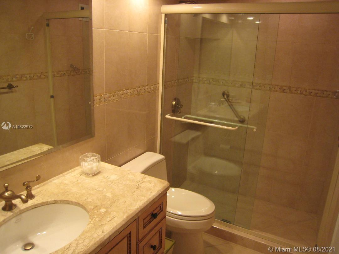 5005 Collins Ave #416 photo05