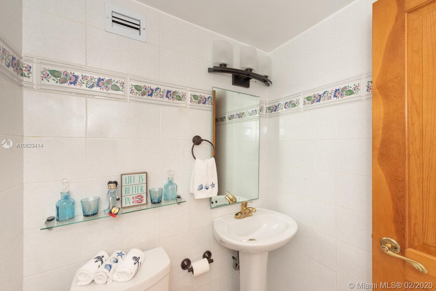5601 Collins Ave #1208 photo018