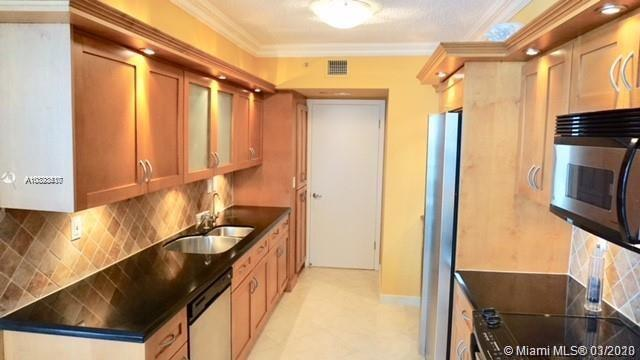 16425 Collins Ave #915 photo011
