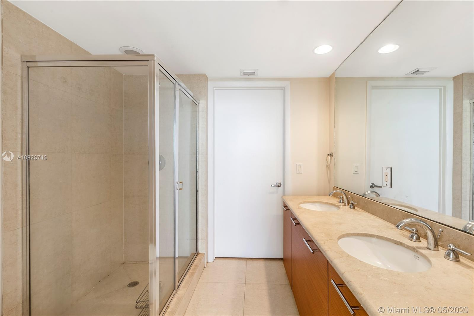 Photo of 50 Biscayne Blvd #3908 listing for Sale