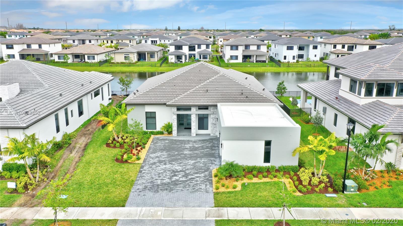 Property for sale at 10805 Estuary Dr, Parkland,  Florida 33076