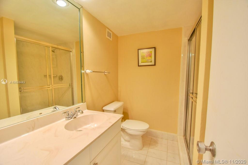 5225 Collins Ave #1015 photo027