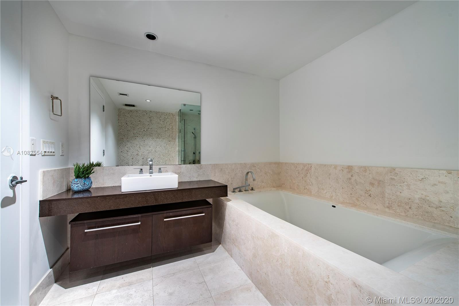 Property 17121 Collins Ave #2403 image 9