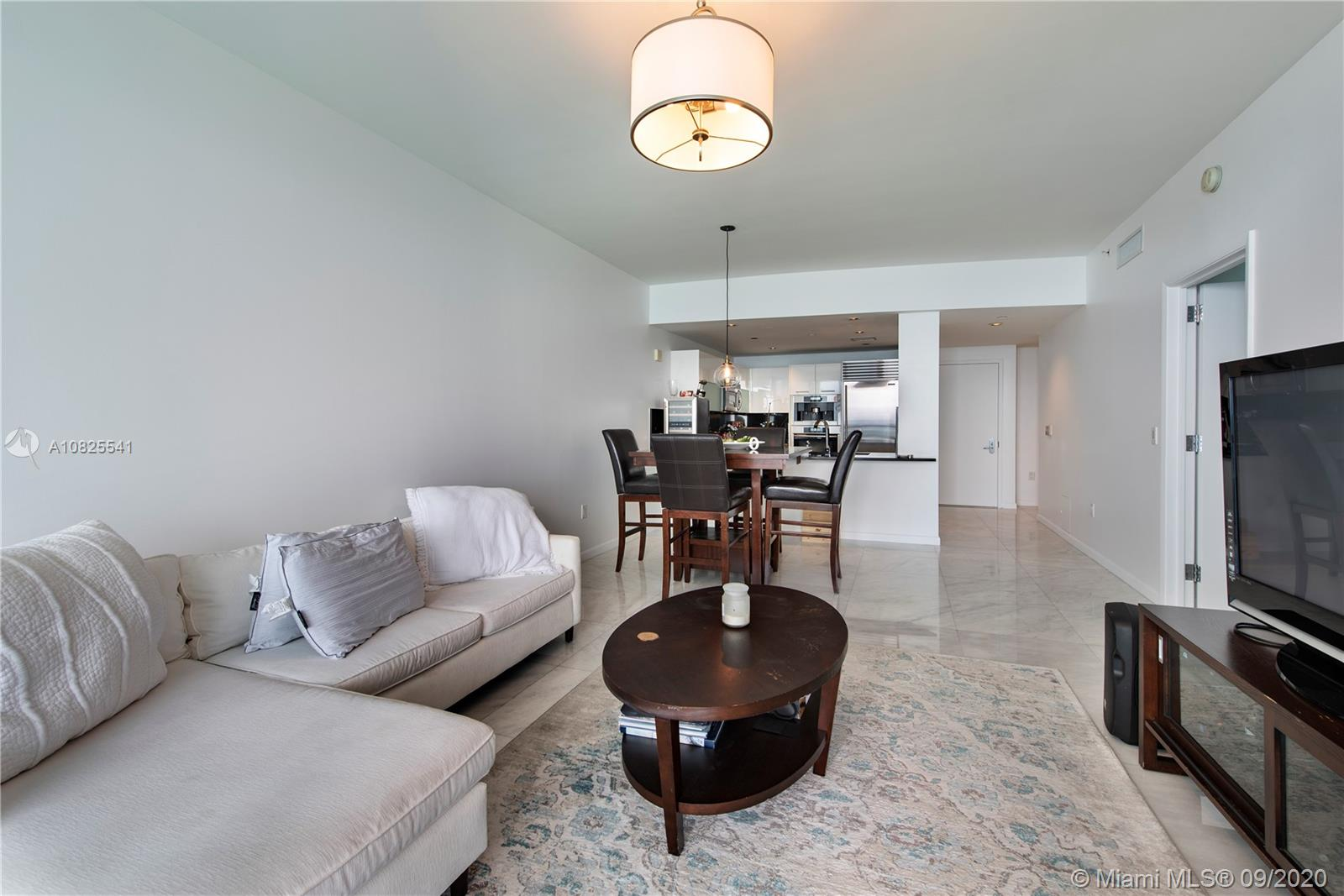 Property 17121 Collins Ave #2403 image 3
