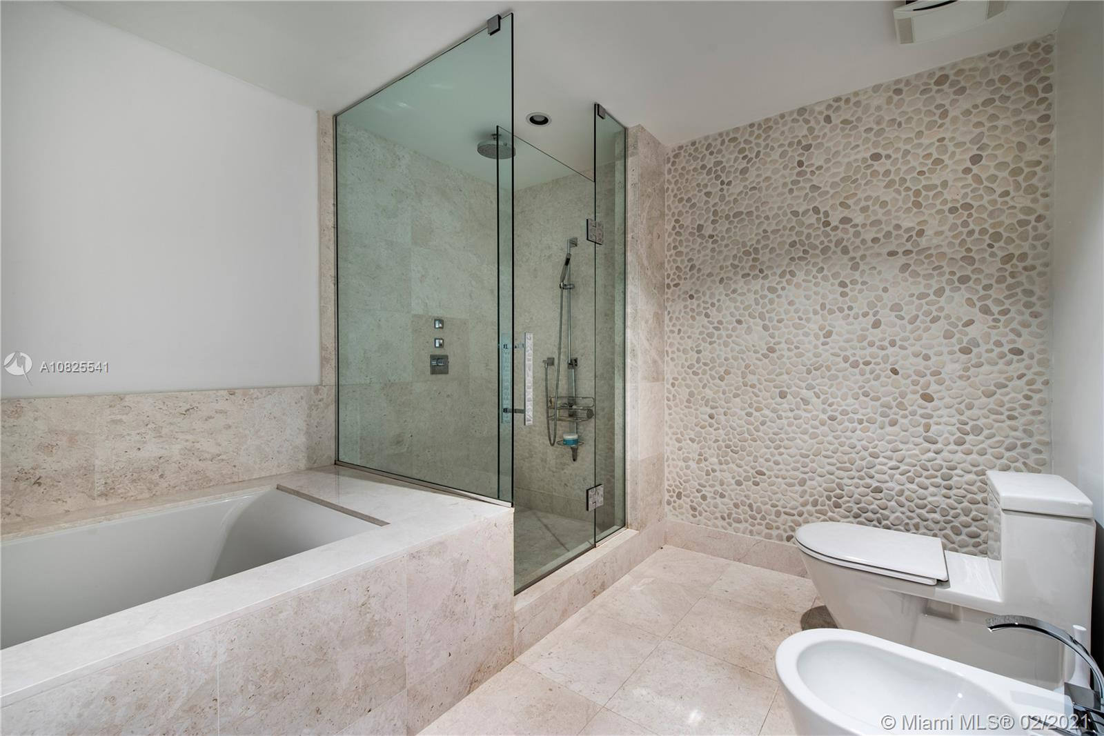 Property 17121 Collins Ave #2403 image 7