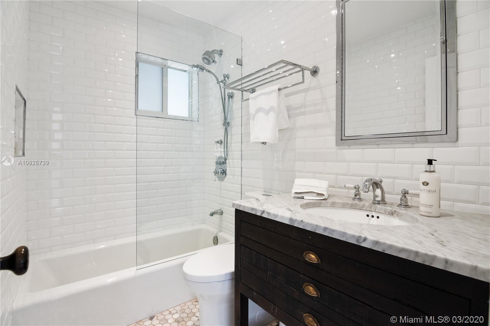 2369 Overbrook St photo016
