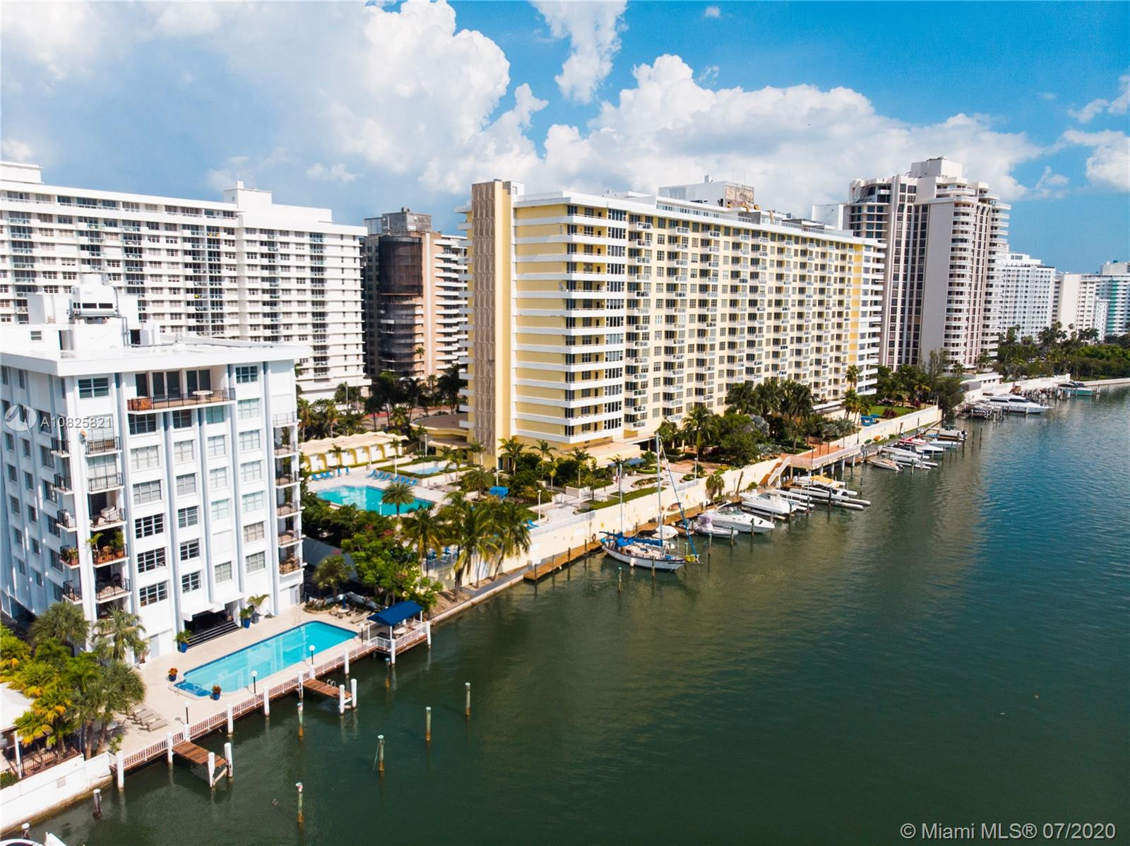 5600 Collins Ave #16B photo01