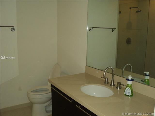 7928 East Dr #403 photo05