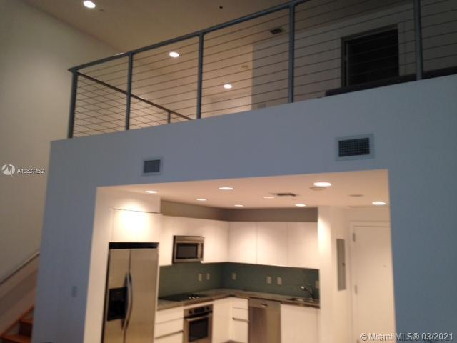 1060 Brickell Ave #415 photo02