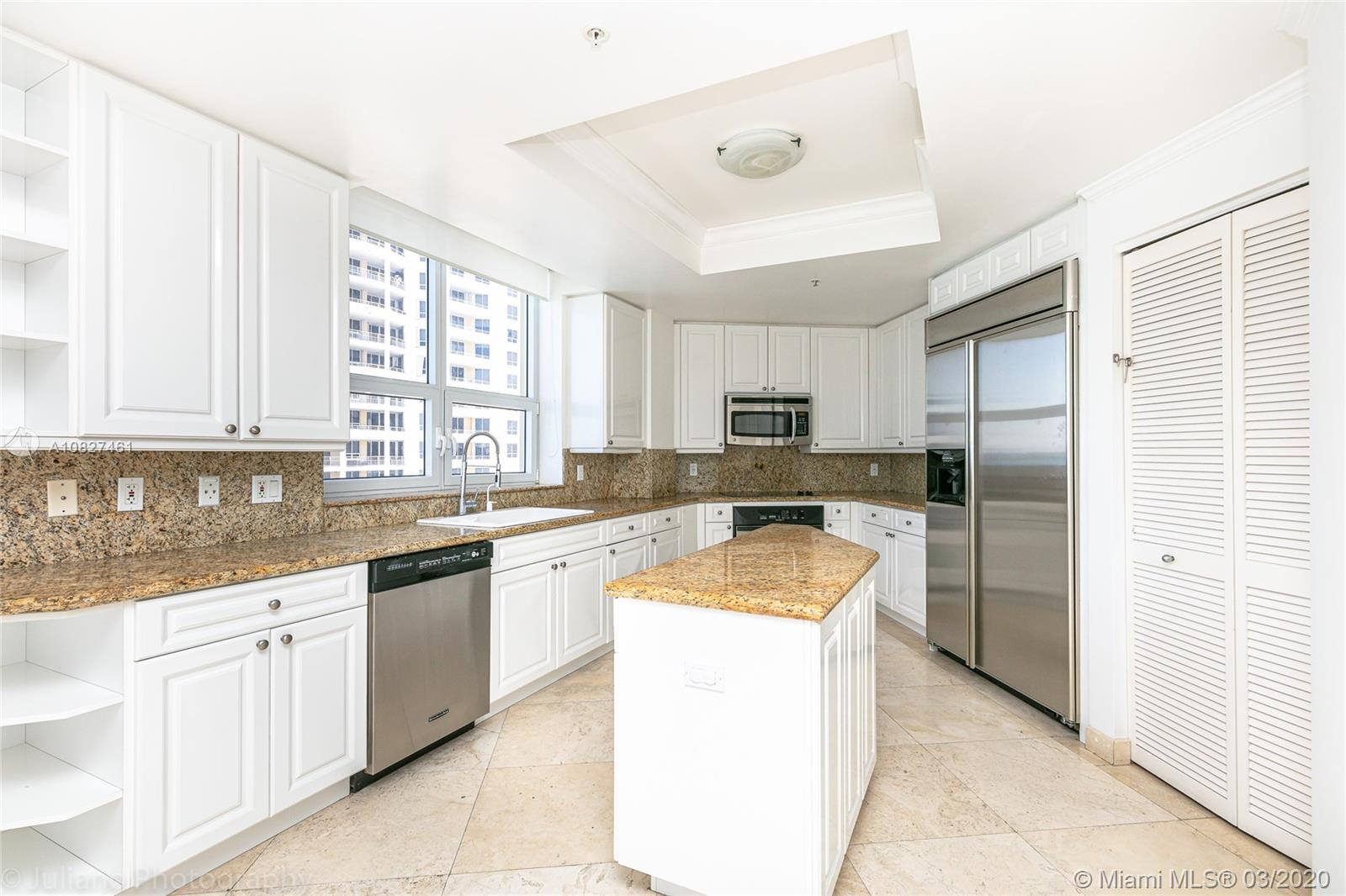 848 Brickell Key Dr #1601 photo029