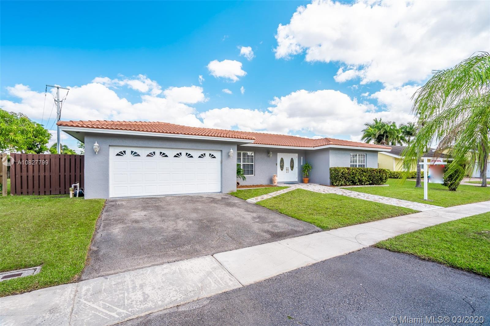 Property for sale at 16790 Harbor Ct, Weston,  Florida 33326