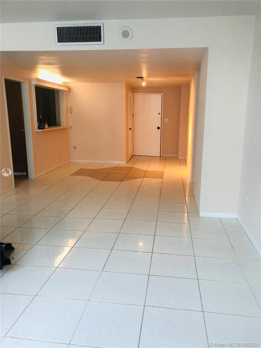 5825 Collins Ave #2F photo07