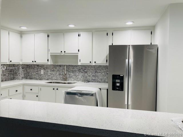 5825 Collins Ave #2F photo03
