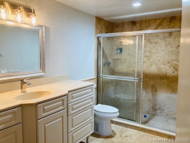 5825 Collins Ave #2F photo05