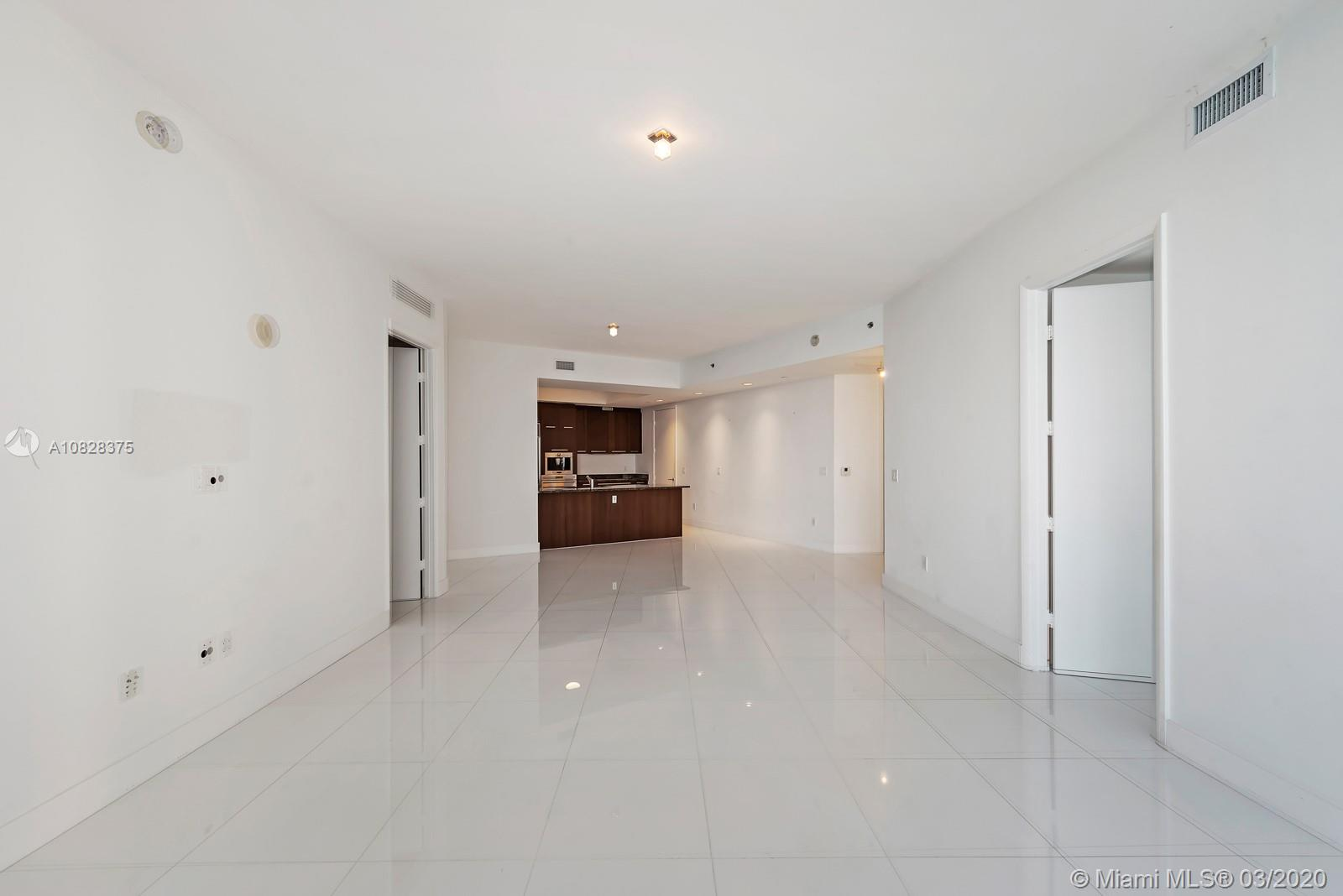 15901 Collins Ave #1703 photo06