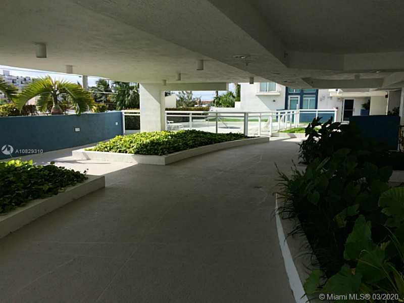 7600 Collins Ave #701 photo022