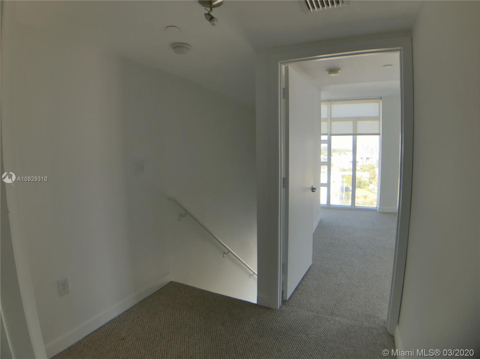 7600 Collins Ave #701 photo021
