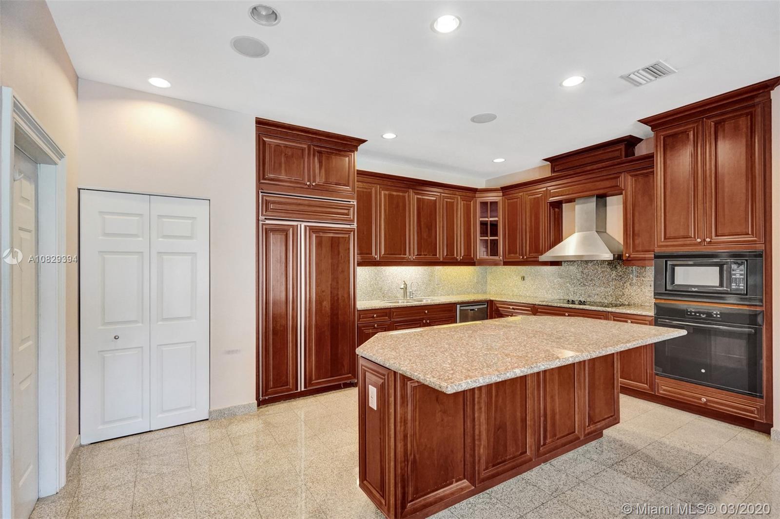 kitchen Island/Pantry