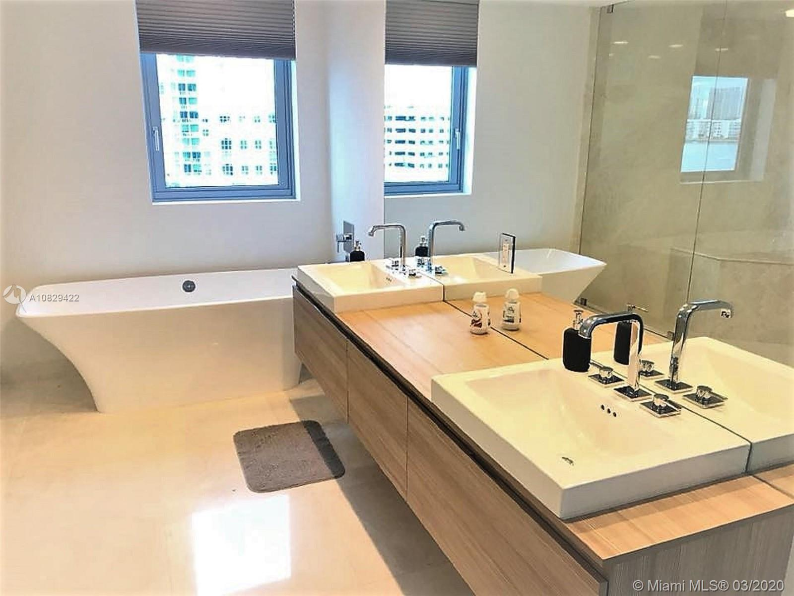 17111 Biscayne Blvd #607 photo08